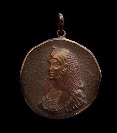 Pendentif médaille commémorative en or jaune...