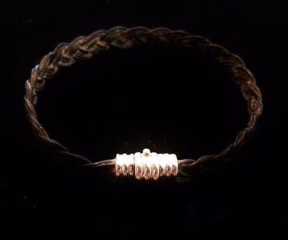 Petit bracelet en poil d'éléphant tressé,...