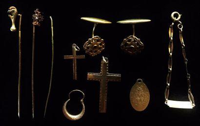 Ensemble de bijoux divers en or jaune 18...