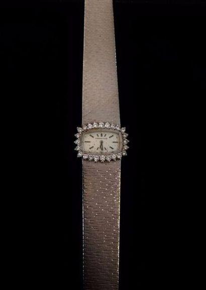 AUDEMARS PIGUET  Montre bracelet, le boitier et le bracelet en or gris 18 K (750...