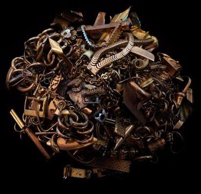 Un lot de débris d'or 18 K (750 °/°°) :  chaînes,...