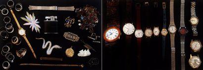 Lot de bijoux fantaisie divers :  montres,...