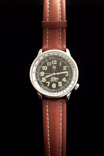 LIP  Montre d'homme, le bracelet en cuir...