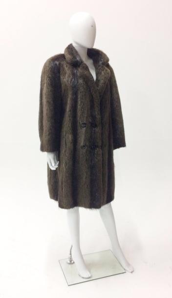 Manteau mi-long en fourrure de vison  Taille...