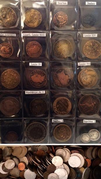 Collection de pièces diverses, bronze et...