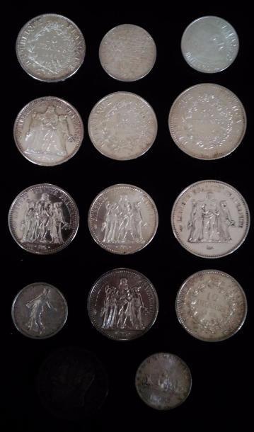 Lot de diverses pièces en argent dont :  -...