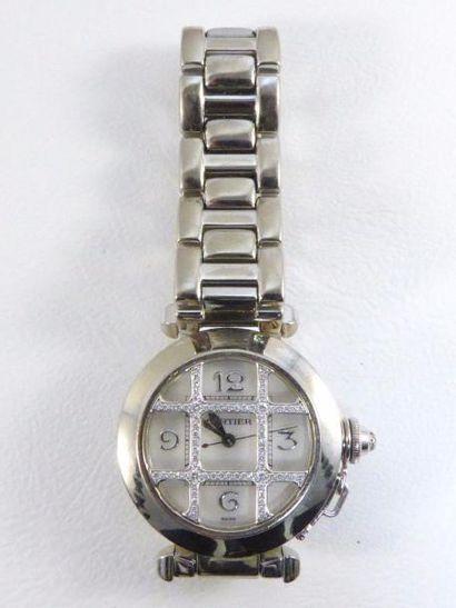 """Montre CARTIER modèle """"Pasha"""" en or gris 18k (750 millièmes) sur bracelet or gris..."""