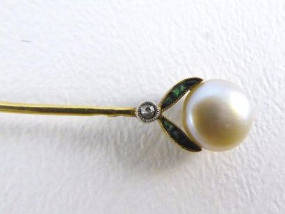 Epingle à cravate en or jaune 18k (750 millièmes)...