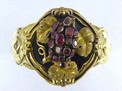 Elégant bracelet en or jaune 18k (750 millièmes)...