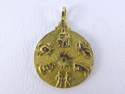 Médaille en or jaune 18k (750 millièmes)...