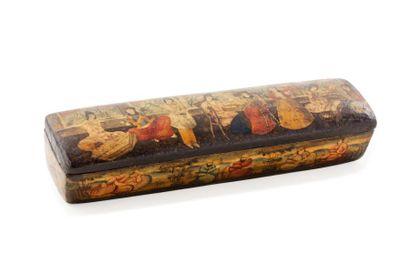 Plumier Qajar  en bois peint et laqué, au...