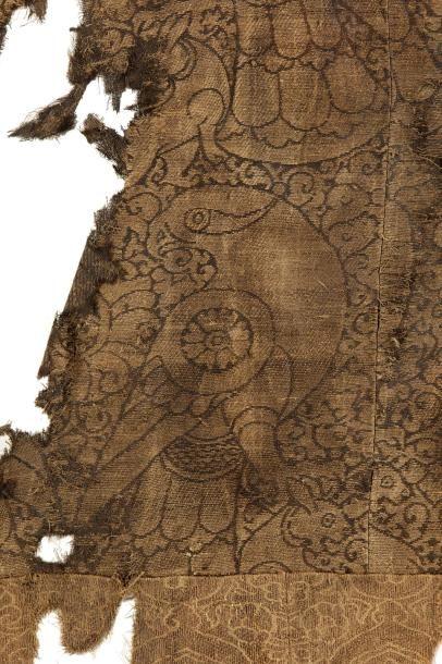 Lampas d'Asie Centrale  fragment de textile...