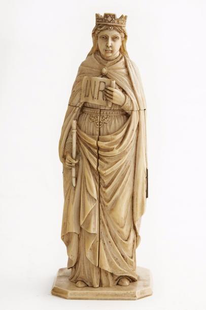 Vierge couronnée en ivoire sculpté. Debout,...