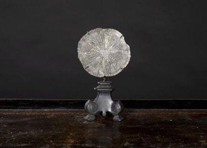 Pyrite dollar sur socle baroque laiton