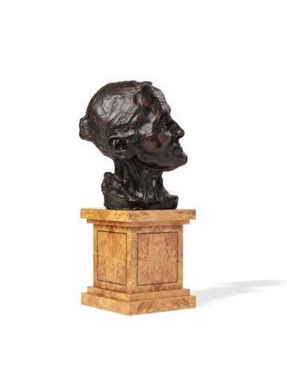 Camille CLAUDEL (1864 - 1943)  La vieille Hélène ou Buste de vieille femme  Sculpture...