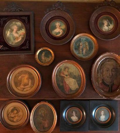 Lot de 12 miniatures, portraits divers XVIIIème et XIXème