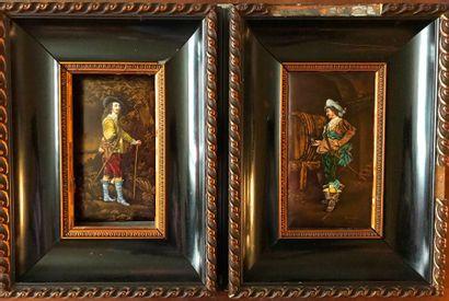 Paire d'émaux de Limoges représentant deux officiers dans le style de Van Dyck  Signée...