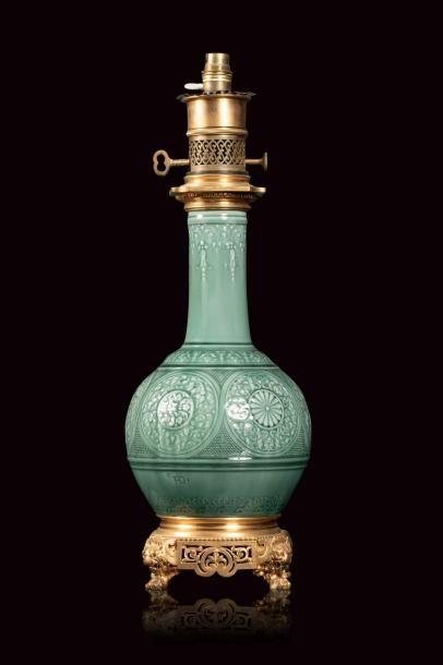 Théodore DECK (1823 - 1891)  Lampe à base...