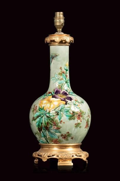 Théodore DECK (1823 - 1891)  Lampe en faïence...