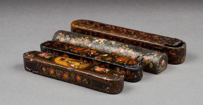 Iran, 19e siècle  Ensemble de quatre plumiers...