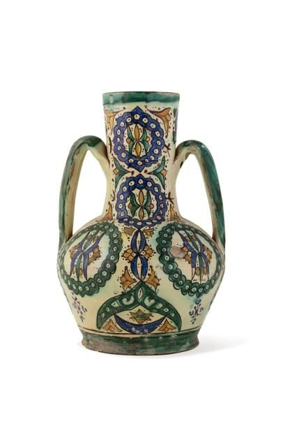 Maroc ou Tunisie, vers 1920.  Grand vase...
