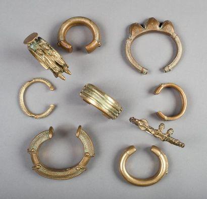 Ensemble de 9 chevillères ou bracelets en...