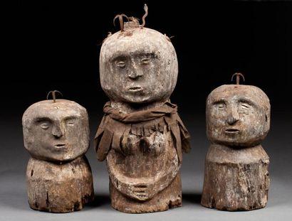 Ensemble de trois bustes fétiches utilisés...