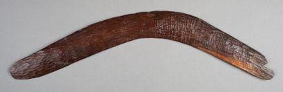 Boomerang de chasse et de cérémonie en bois...