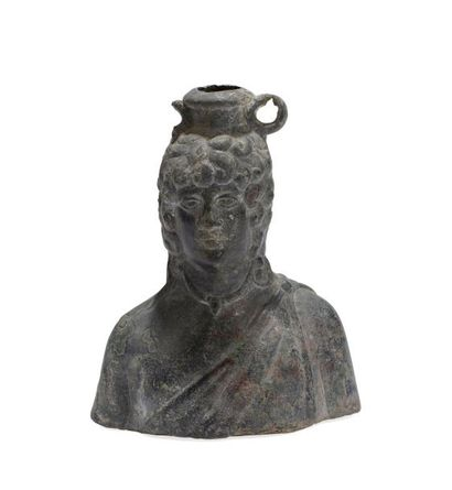 *Important vase balsamaire en forme de buste...