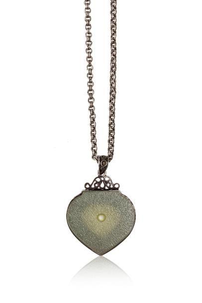 Pendentif talismanique  en forme de cœur,...