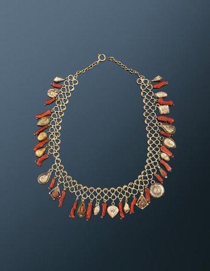 Précieux collier en vermeil  composé d'une...