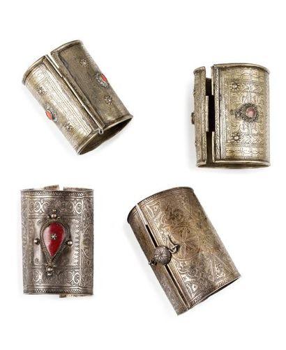 Deux paires d'anneaux de chevilles Ikhelkhalen...
