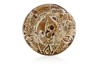 Coupe abbasside  en céramique à décor polychrome...