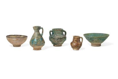 Ensemble de cinq céramiques persanes du XIIIe...