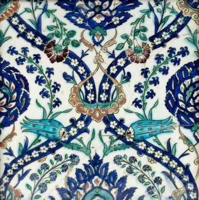 Grand carreau de revêtement ottoman  en céramique...