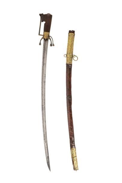 Nimcha datée 1233H. Sabre à poignée en corne,...