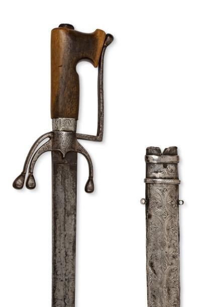 Nimcha  Sabre à poignée en corne, garde à une branche en fer à décor de khetma...