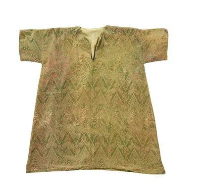Chemise talismanique  faite à partir d'une...