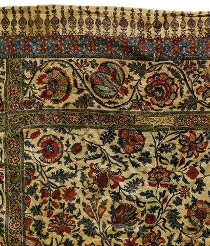 Paire de Kalamkars persans  en coton imprimé dans les tons rouges et bleus, à décor...
