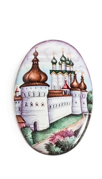 Médaillon ovale en émail peint, à décor polychrome...