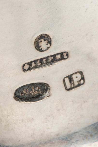 Impressionnant encrier de bureau en argent 88 zolotniks (916 millièmes), à décor...