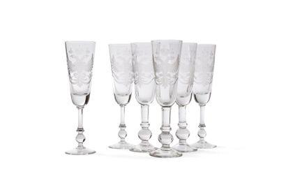 Série de 6 flûtes à champagne en verre à...