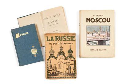 MOSCOU. Lot de 4 livres : Guide du voyageur...