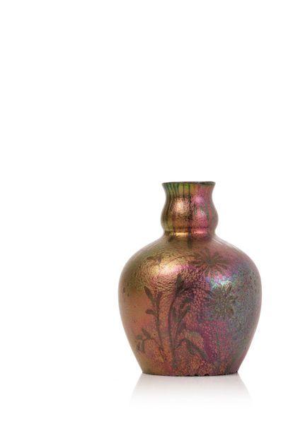 Jérôme MASSIER (1850 - 1926)  Vase à corps...