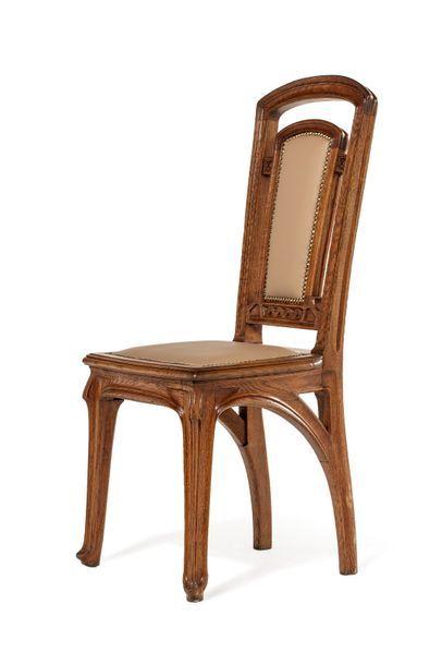 Jacques GRUBER, attribué à  Chaise en chêne...