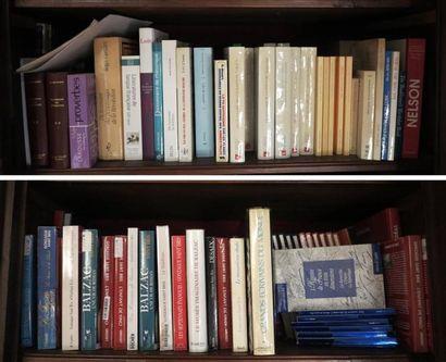 Environ 130 volumes brochés cartonnés modernes (Dictionnaires, Littérature anglaise,...