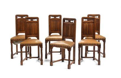 Suite de six chaises de style caquetoire,...