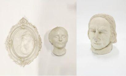 Lot de sculptures en plâtre comprenant une...