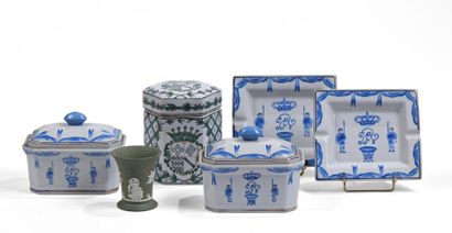 Lot en porcelaine chinoise comprenant deux...