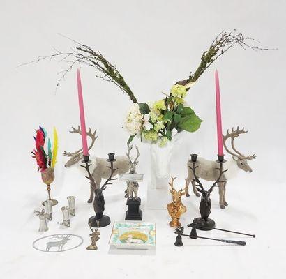 Lot à thématique cynégétique comprenant statuettes...